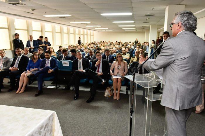 O governador Ronaldo Caiado durante a solenidade de assinatura e apresentação das diretrizes para a construção do Plano Plurianual (PPA) para o quadriênio 2020-2023 ao secretariado.